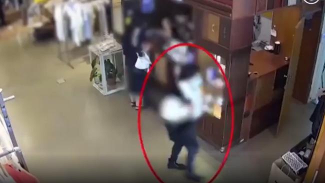 视频曝光!比利时驻韩大使夫人打韩国店员耳光,警方介入