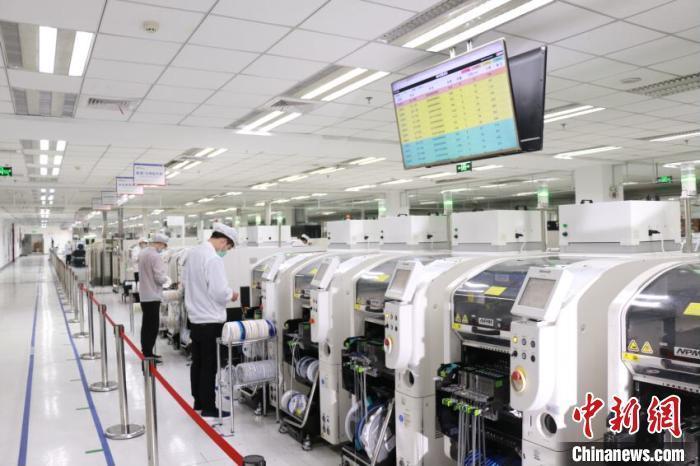 资料图:企业生产车间。 刘园 摄