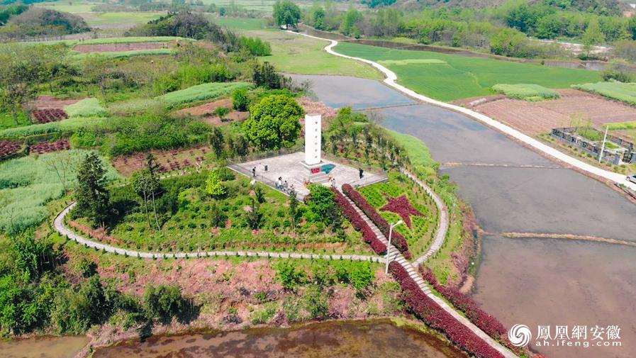 香隅镇合延村烈士纪念碑