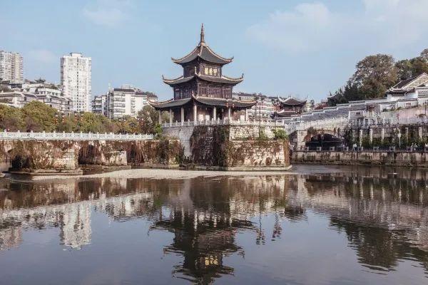 迷城贵阳:藏在贵山富水中的西南之心