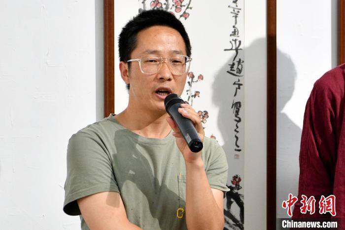 云南青年画家用水墨丹青描绘生态之美