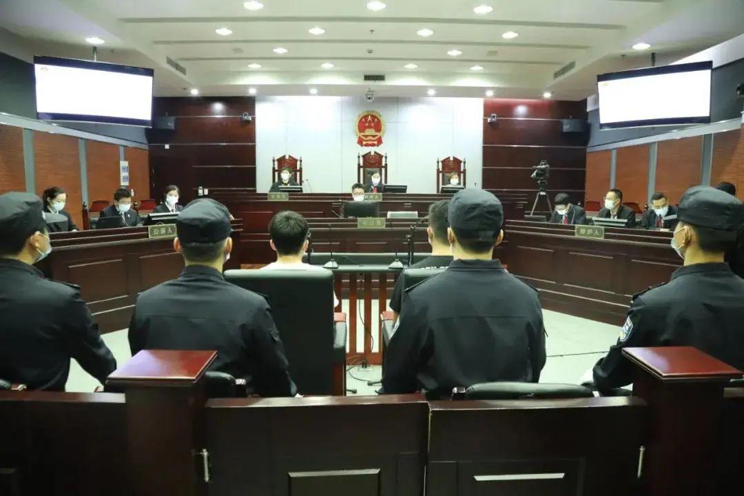 女子取快递被造谣出轨 两造谣者获刑一年、缓刑二年