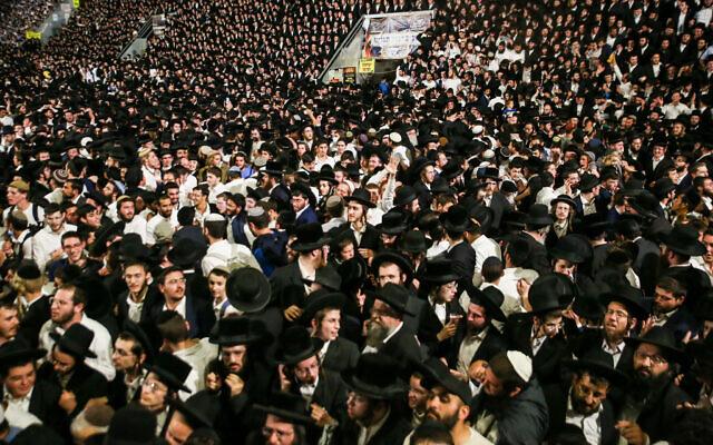 数万名犹太人参加以色列北部梅隆山的一场宗教活动