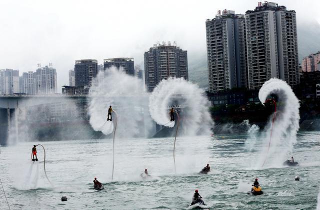 踩花山节与水上大赛来了:彭水10年踩山玩水耍出新情景