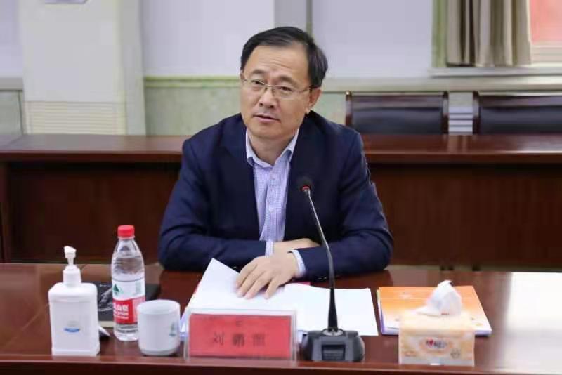 青岛市教育局局长、党组书记刘鹏照