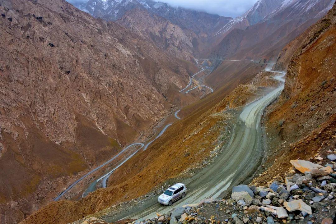 """中国这条""""真正的天路"""",一路从雪域高原到热带雨林,惊艳到极致!"""