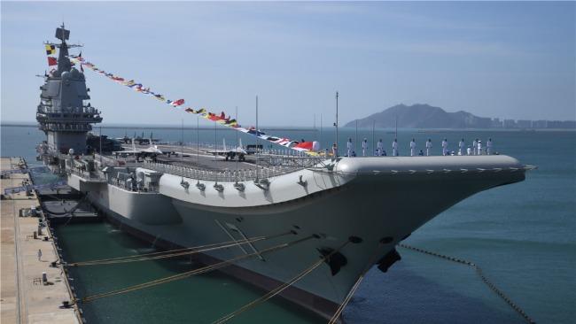 山东舰航母编队在南海训练