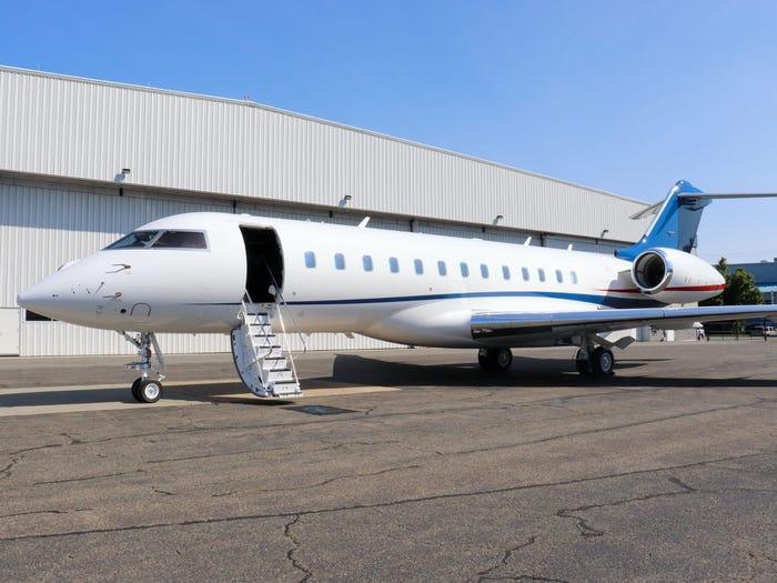 庞巴迪私人飞机(非盖茨的那架)