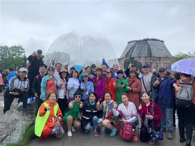 大批省外游客前来体验不一样的湖北