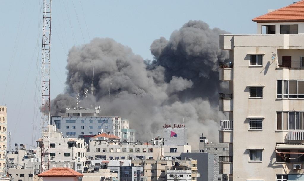 以色列轰炸加沙媒体大楼现场公布 哈马斯警告特拉维夫居民