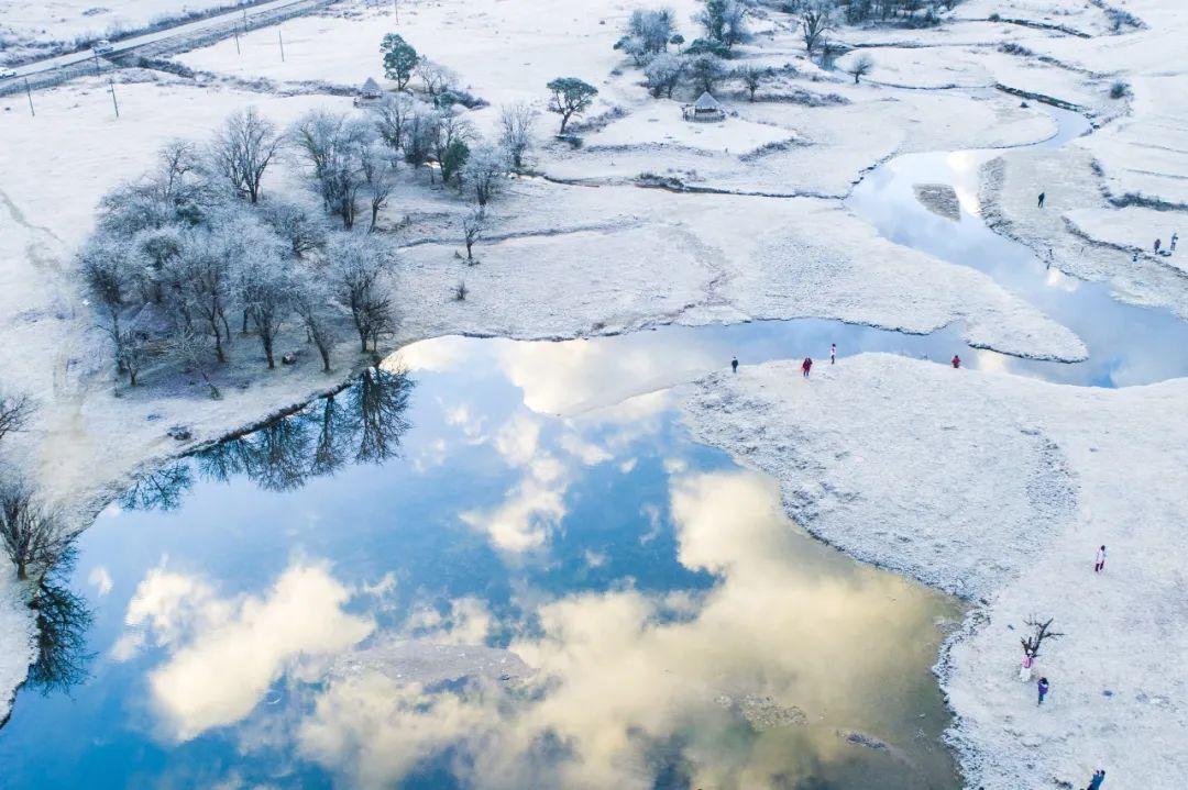 ▲ 图一 芒市银塔。摄影/卢思维;图二 诗蜜娃底的冬。摄影/朱边勇