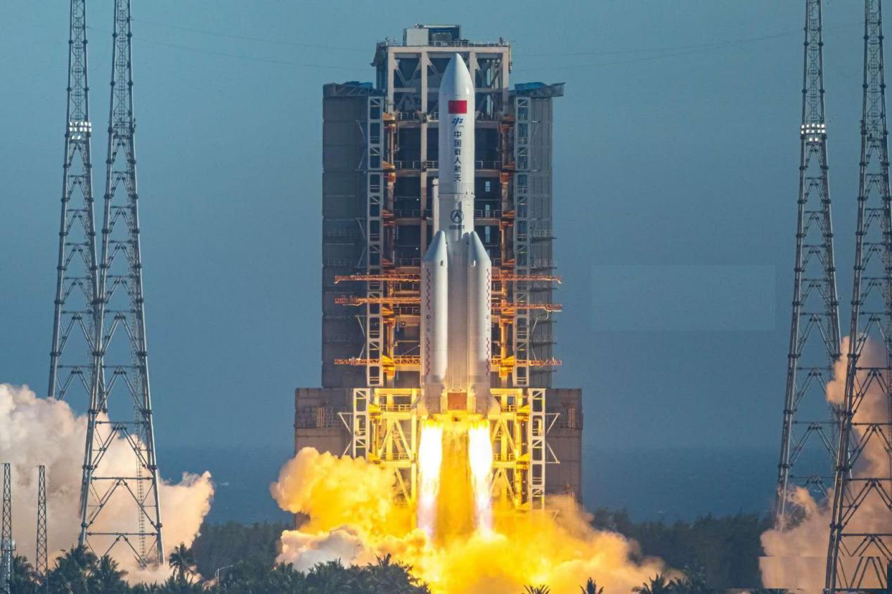 """4月29日,中国长征五号B(以下简称长五B)遥二运载火箭搭载""""天宫""""-2号空间站核心舱""""天和""""号,于海南岛文昌火箭发射中心升空,并成功入轨。(资料图)"""