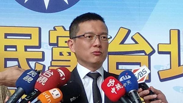 leyu乐鱼体育:台湾疫情一夕严峻,六问六答何以至此