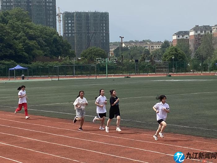 九江2021年初中学考体育测试开考 6.9万名考生参加测试