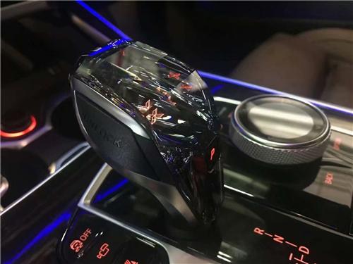 21款宝马X7 国六现车预售超低价格配置