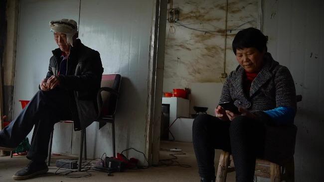 写诗农妇韩仕梅离婚撤诉:考虑到女儿高考
