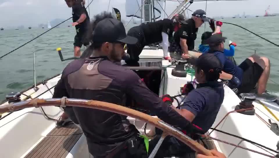 SailingIn队完成最后冲刺 收获厦门站场地赛首轮第一名