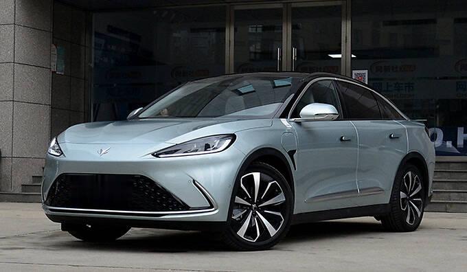 ARCFOX极狐产品规划曝光推5款新车 最低不到20万-图2