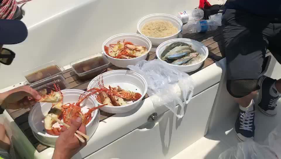 船上伙食怎么样?队员们还有龙虾拌面吃?