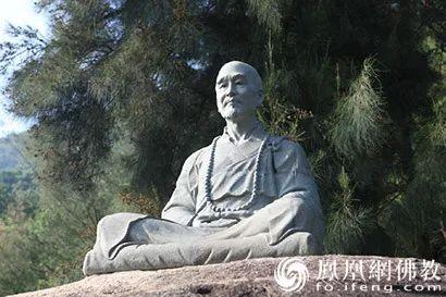弘一法师塑像(图片来源:凤凰网佛教)