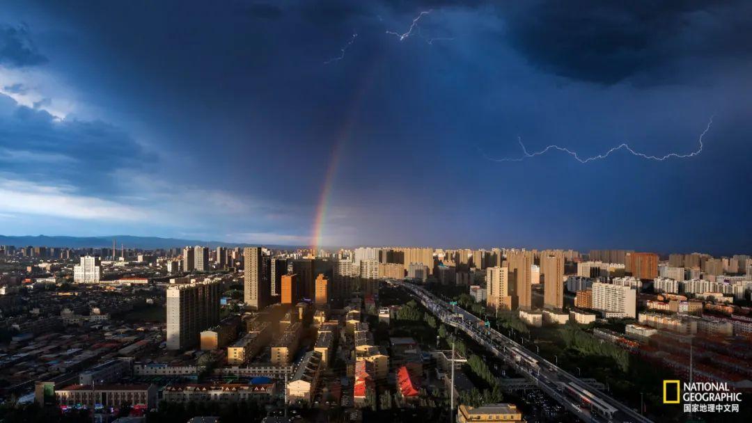 南二环彩虹伴闪电