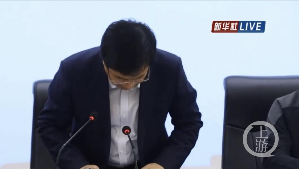 甘肃白银市长为马拉松鞠躬道歉:深感内疚,自责