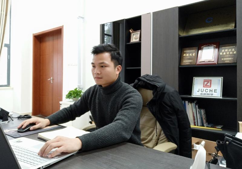 江如海: 创新创业 科技报国
