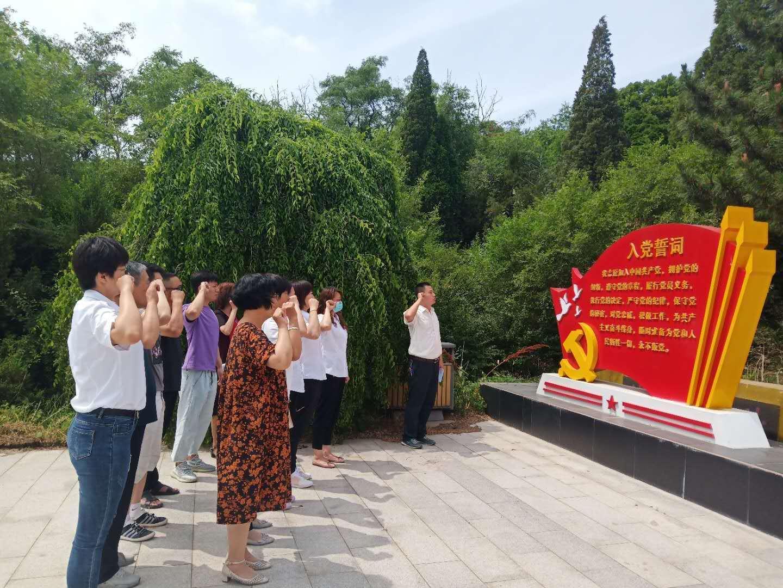 中共沈阳市法库县吉祥街道石桥社区党总支部委员会   全力打造为民服务升级版