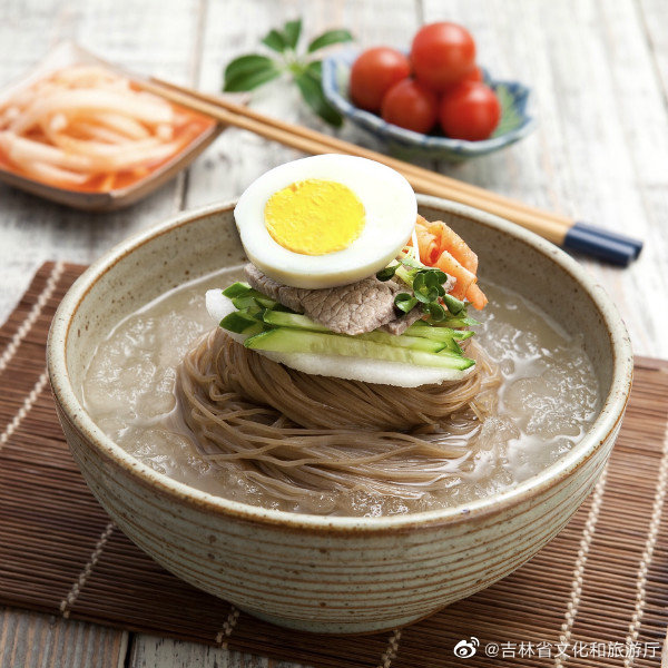 """吉林夏天最""""快乐""""的食物——冰碴儿冷面!"""