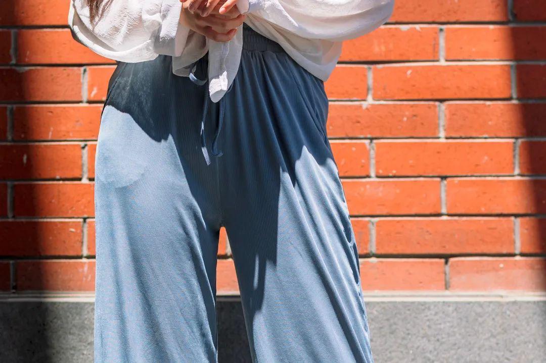 这裤子穿出2m大长腿!清凉又藏肉,百搭不出错,上街赛超模