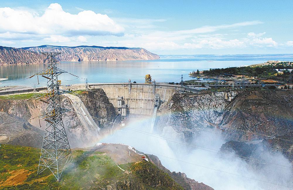 龙羊峡水电站。王国栋 摄