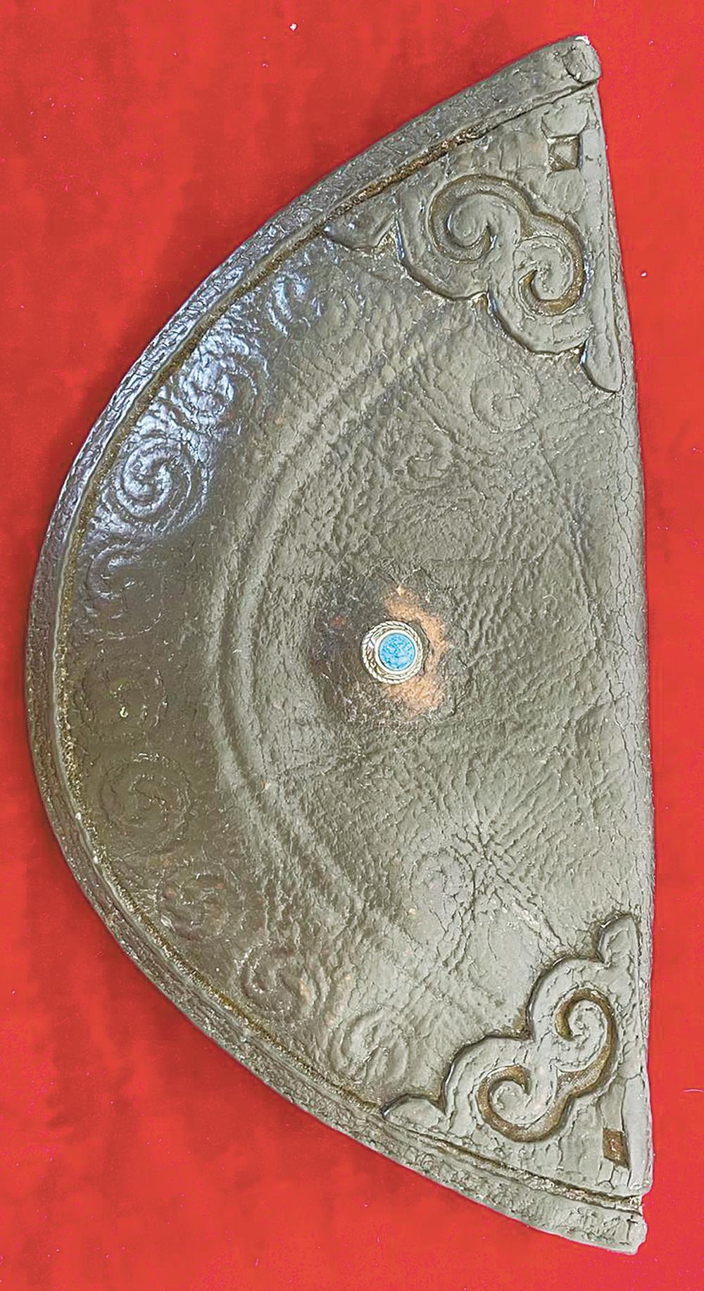 父辈留存下来的传统手工皮艺制品 《贝壳形钱包》
