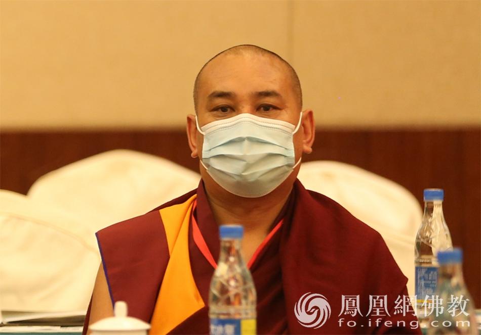 中国佛教协会副秘书长郭莽仓出席活动(图片来源:凤凰网佛教)