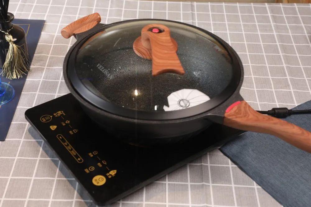 """煎炒炖煮煲多功能微压锅,""""颠覆""""传统烹饪方式"""