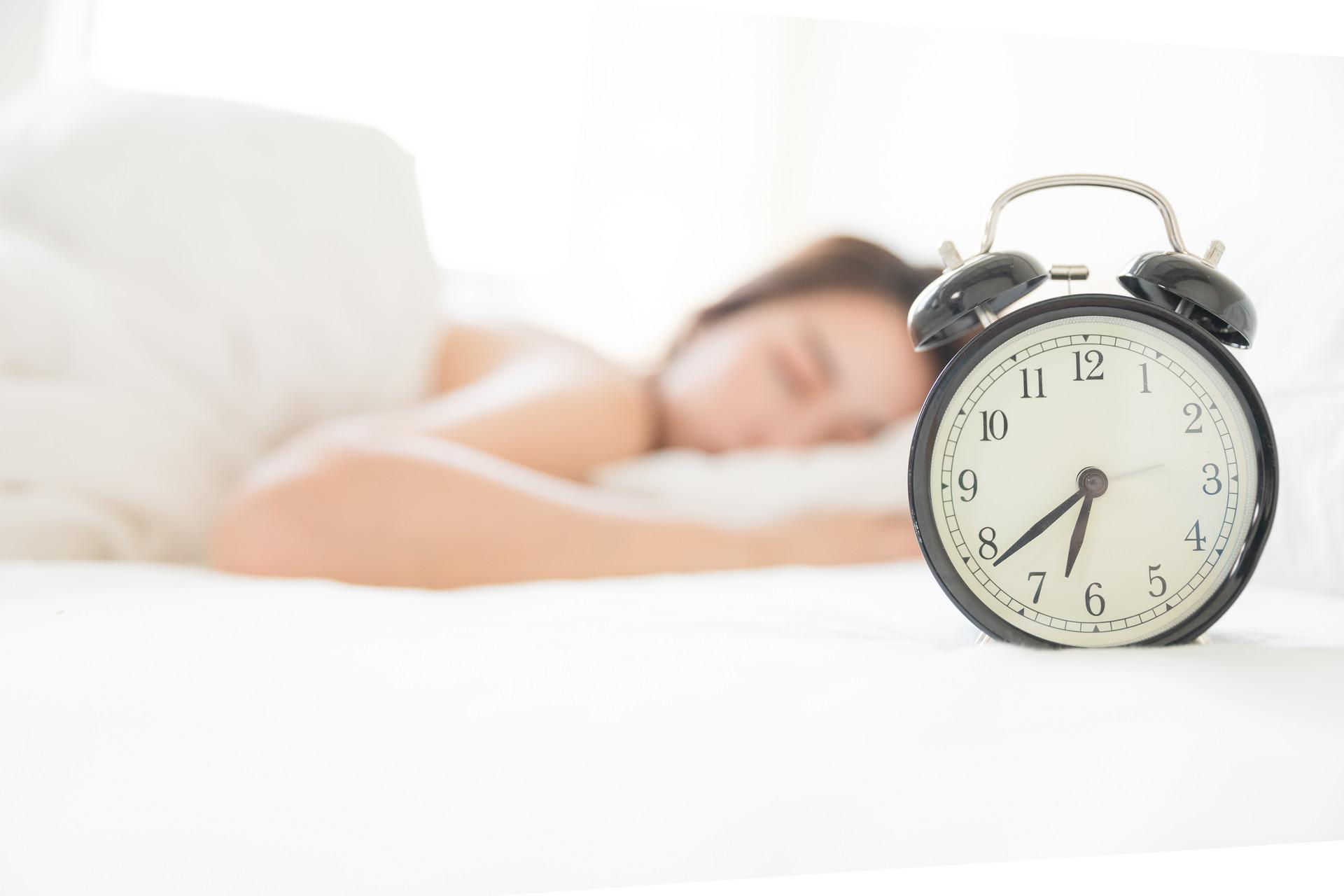 经常凌晨醒来之后再也睡不着?可能与4种疾病有关