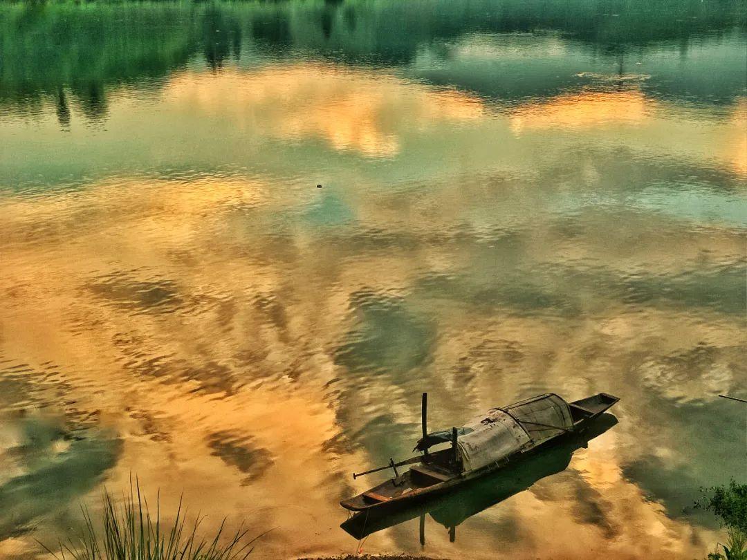 △夕阳下的沅水 / 图虫