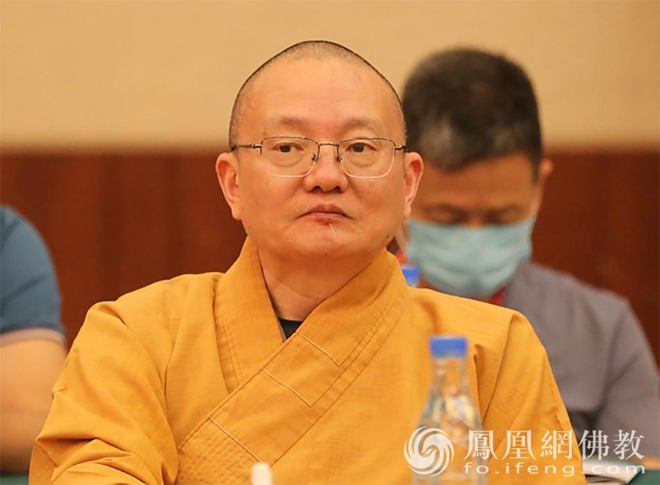 中国佛教协会副秘书长宏度法师出席活动(图片来源:凤凰网佛教)