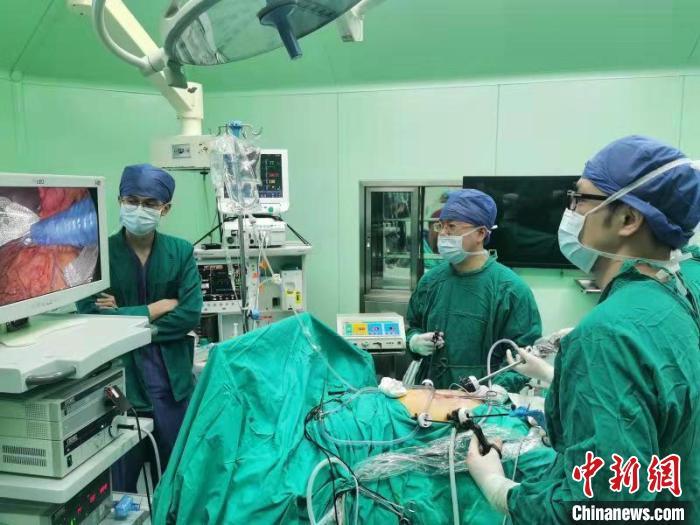 """上海专家率先实现自体胰岛细胞移植""""自救""""提升患者生活质量"""