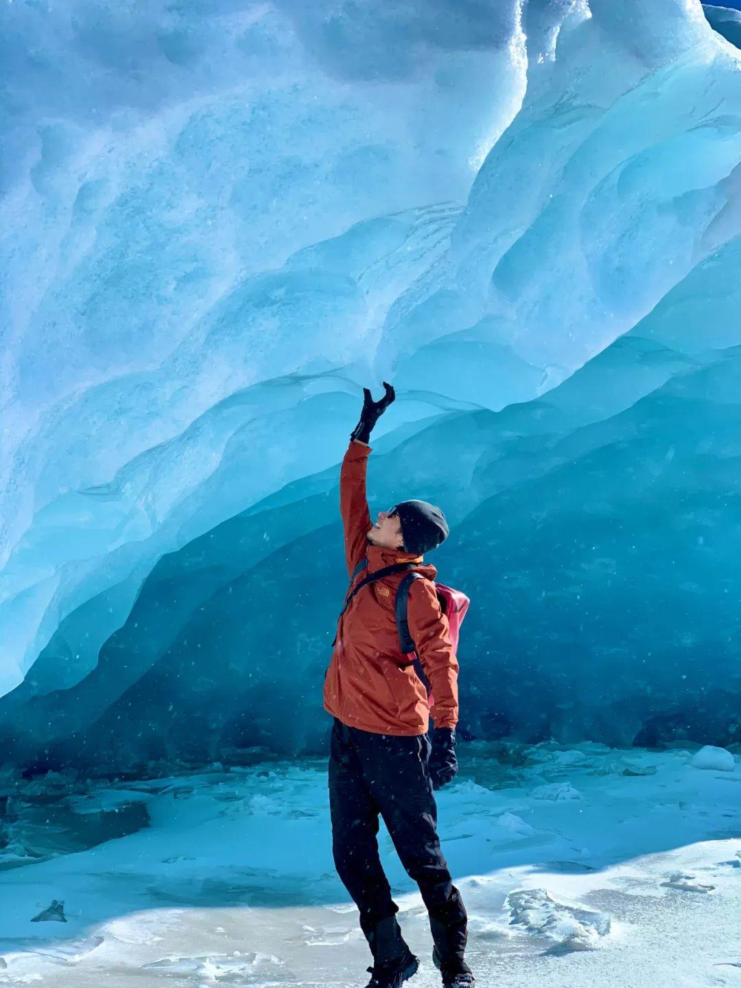 ▲ 冬季时的来古冰川冰洞
