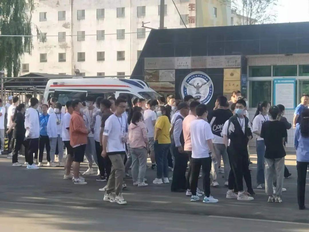 """直击高考现场:甘肃近20万学子""""赶考"""""""