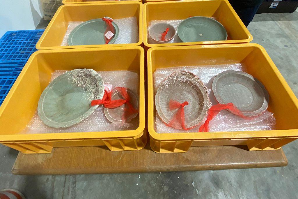 新加坡发现两艘海底沉船 内有大量中国古瓷器插图2