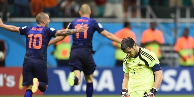 荷兰队2战进5球,被球迷质疑的532阵型竟展现出强大火力