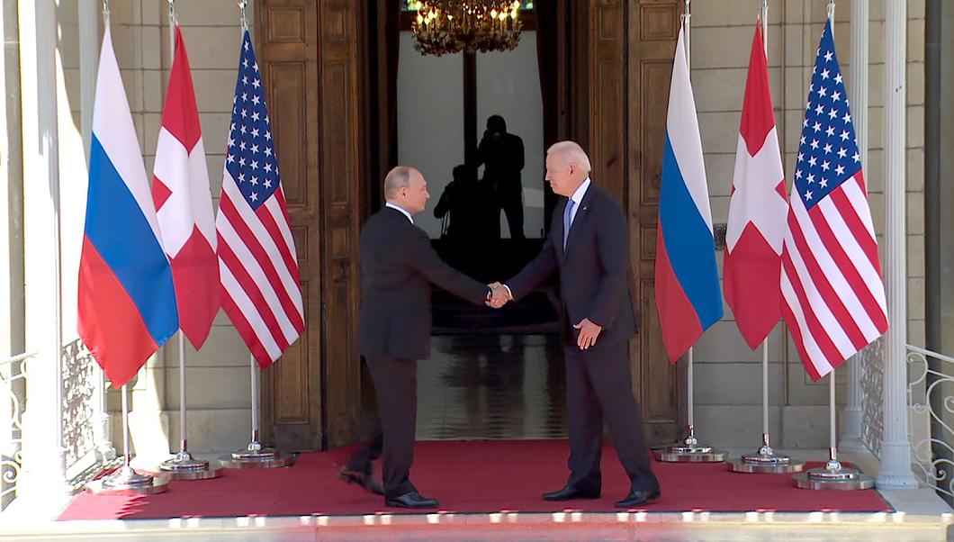 拜登普京均已抵达峰会地点,两人握手并合影