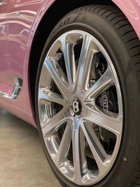 全进口21款宾利欧陆 粉色定制车漆在售
