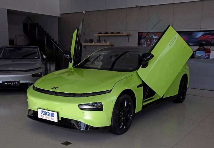 小鹏汽车 小鹏汽车P7 2021款 四驱高性能鹏翼版