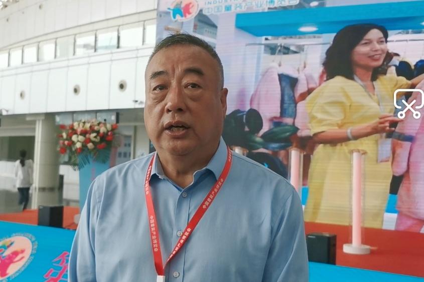 中国纺织品商业协会副会长、中国童装产业博览会组委会主任韩云钢