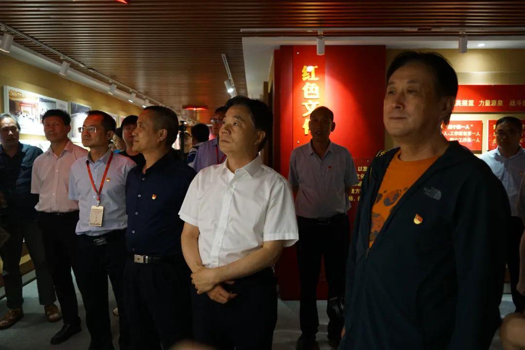 肯定党建,点赞陶香:中央行业媒体采访团走进仰韶!