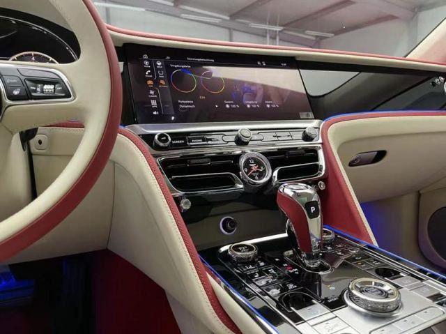 21款宾利飞驰V8 4.0T加速时间仅4.9秒