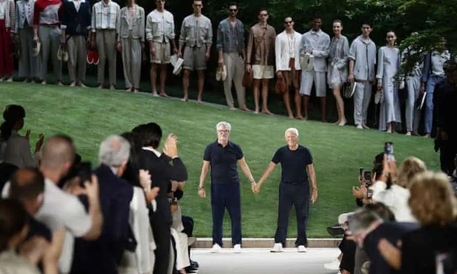 Giorgio Armani与长期合作伙伴Leo Dell'Orco在线下发布会现场