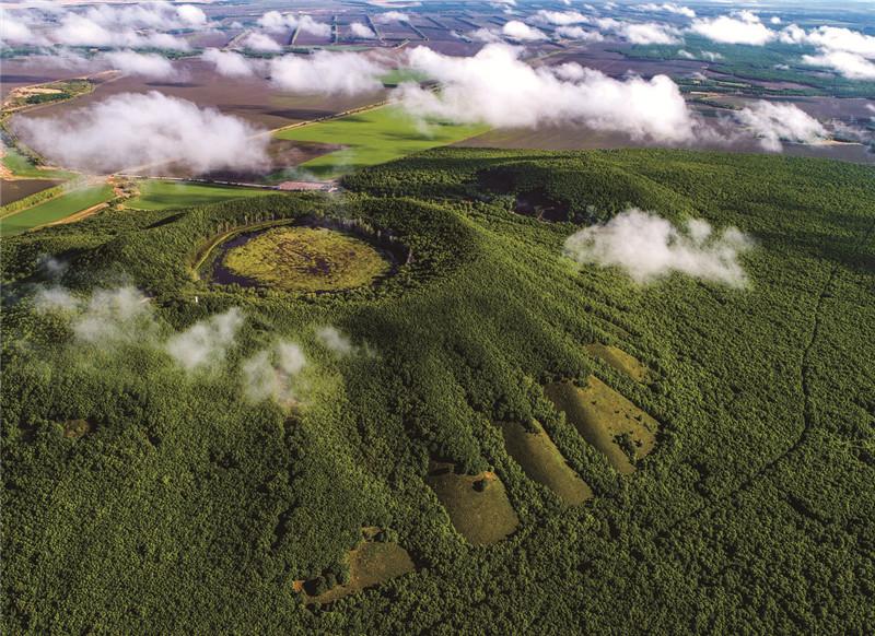 五大连池国家级自然保护区火山口